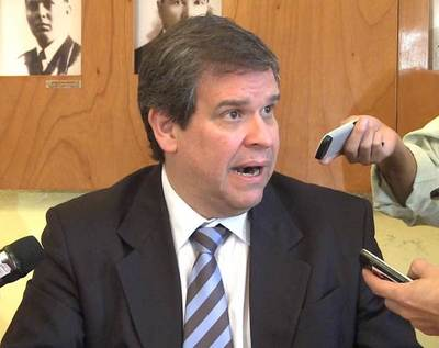 """""""Nadie sabe si va a sobrevivir, como van a pretender subir impuestos ahora"""", sostiene Ferreira"""