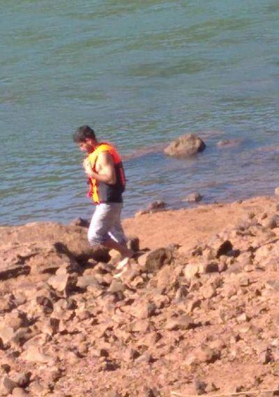 Detienen a brasileño que intentó cruzar nadando el río Paraná