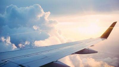 Extienden suspensión de vuelos internacionales (permiten comerciales y privados domésticos)