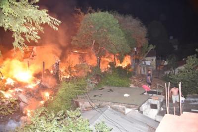 Bomberos controlan incendio en zona de Artigas