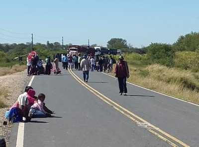 Comunidades indígenas cierran ruta y solicitan al Gobierno asistencia inmediata