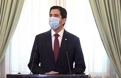 Ministro pide disculpas por permitir que repatriado viole la cuarentena