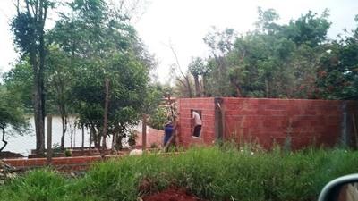 IMPUNE USURPACION de espacio público en el Acaray