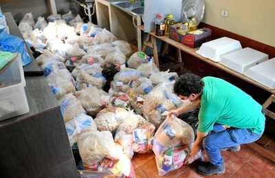 Itaipu reparte 16 toneladas de alimentos en varios distritos