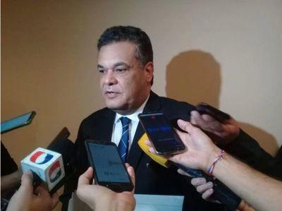 Fiscala denuncia al diputado Acevedo por coacción