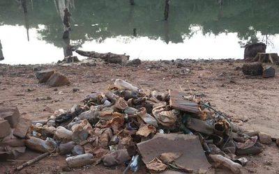 Vecinos limpian costas del Acaray y piden ayuda para recolección de residuos