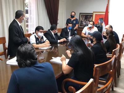 Intendente de CDE y directores municipales facilitan información a la Fiscalía y Contraloría