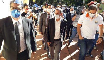 Fiscalía y Contraloría allanan Municipalidad de CDE para auditar gestión de Prieto en marco del sonado caso de sobrefacturación – Diario TNPRESS