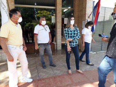 Ediles denuncian a intendente por supuesta violación de cuarentena