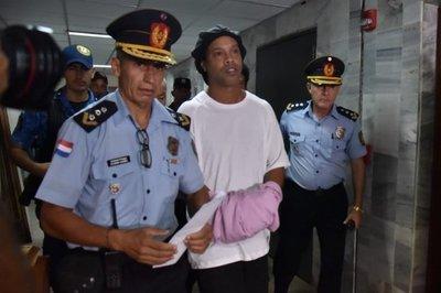 ¿Del jogo bonito al juego ilegal? Nueva acusación contra Ronaldinho en Brasil