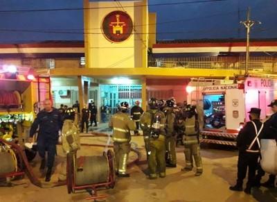 Controlan principio de incendio en Tacumbú y desmienten supuesto motín