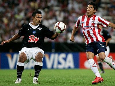 Dos paraguayos entre los que más jugaron la Libertadores