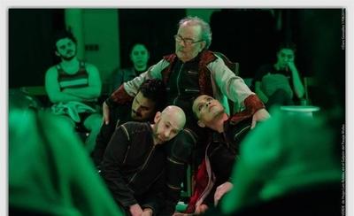 HOY / El amor verde: El luto del hombre en otro color