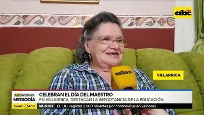 Villarrica: Celebran el Día del Maestro
