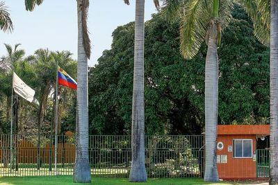 Venezuela se niega a retirar personal diplomático de Brasil