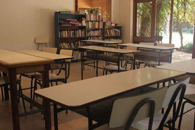 Maestros conmemoraron su día lejos de las aulas