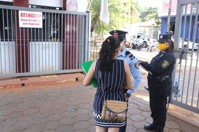 Mujer acusa a marino de calentón y avivado
