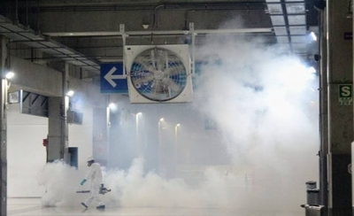 HOY / Guerra al Covid-19 en  barrios  de Roque Alonso: fumigan  con lavandina