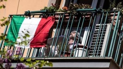 HOY / Italia registró 174 muertos el último día, la cifra más baja en ocho semanas