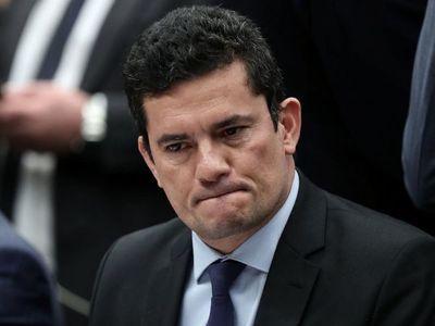 Moro mostró mensajes y audios en su testimonio de 8 horas contra Bolsonaro