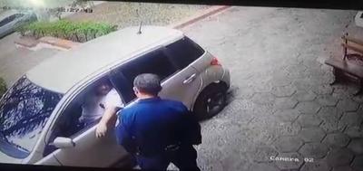 HOY / Hombre intentó sobornar a la Policía para que arresten a su esposa