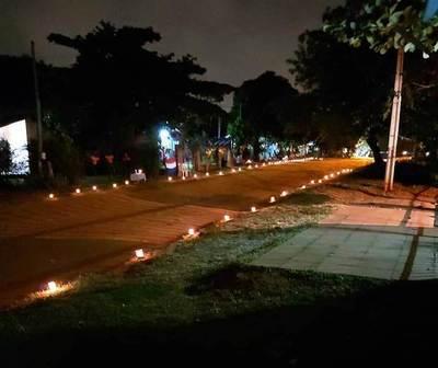 Con la fe puesta en Dios, vecinos realizan cadena de oración ante pandemia • Luque Noticias