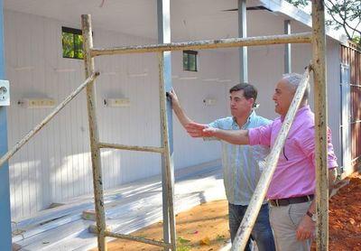 Avanza construcción de hospital modular