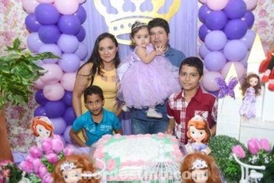 Karen Leticia festejó su Primer Añito con una gran fiesta en el Salón de Eventos La Pepa de Pedro Juan Caballero