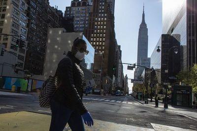 El metro de Nueva York se detiene en la noche, síntoma de una ciudad enferma