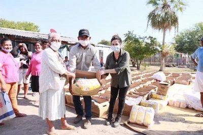 Más de 270 artesanos recibieron ayuda en Bahía Negra
