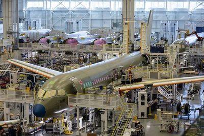 Airbus dice que no es necesario dejar asientos vacíos en los aviones por la pandemia