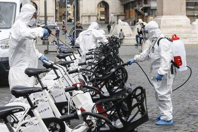Repunte de muertes por covid-19 en Italia