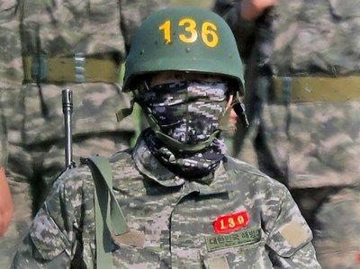 Primeras imágenes de Son cumpliendo el servicio militar