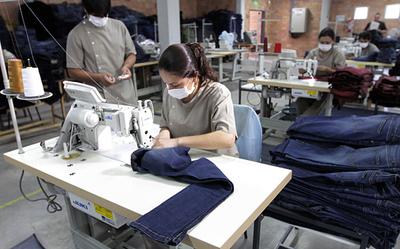 Fuerte deterioro del mercado laboral formal: 96.040 trabajadores ya fueron cesados