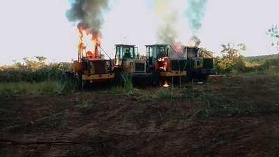 Desconocidos quemaron tractores de una estancia en Yby Yaú
