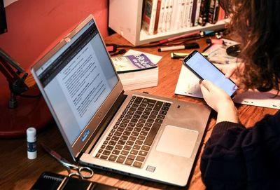 Educadores, preocupados por poca entrega de tareas y problemas de conectividad