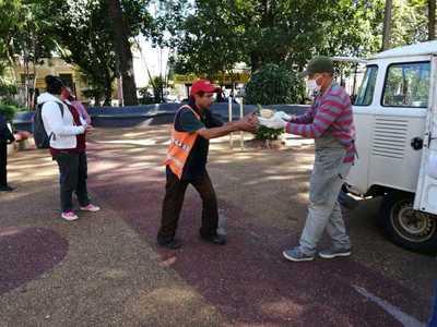 Pastoral Social dio almuerzo en plaza Cerro Corá