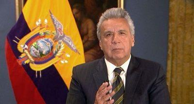 Presidente de Ecuador recorta su salario a la mitad ante crisis