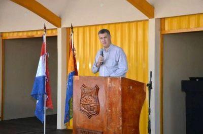 """Intendente amenaza con """"guerra"""" a militares y logra ingresar al Brasil"""