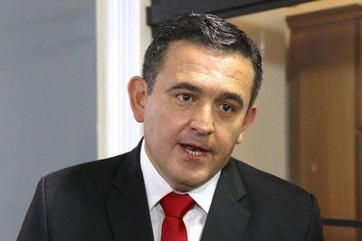 Ministro Petta responde a publicación
