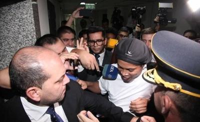 HOY / Fiscalía rechaza recusación de gestores implicados en la causa de Ronaldinho