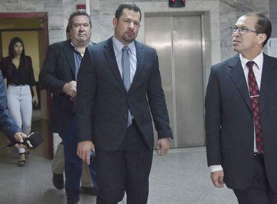 """Caso Ulises Quintana: defensor califica de """"parodia judicial"""" el proceso contra su cliente"""