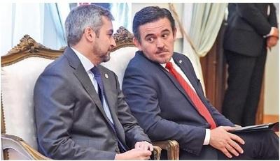 """Si se da voto censura, sindicalistas esperan que Abdo comprenda que """"Petta hasta acá llegó"""""""