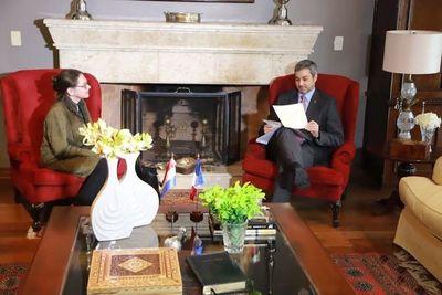 "Embajadora francesa: ""Paraguay es número 1 en lucha contra COVID-19"""