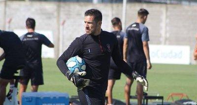 Gobierno autoriza ingreso de jugadores paraguayos en Argentina
