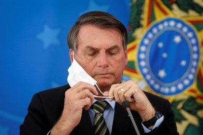 Bolsonaro da negativo a tres pruebas de coronavirus