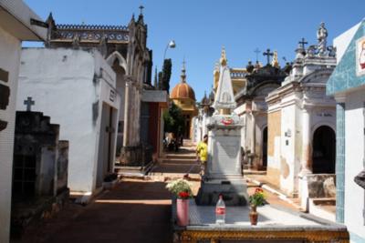 Prohibida la visita a cementerios de Asunción