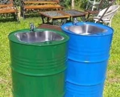 HOY / Proponen instalar lavatorios portátiles en paradas de buses