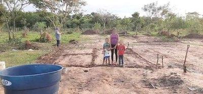 ¡Construyen casita a peques huérfanos!