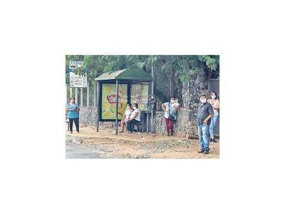 Solicitan  instalación de lavatorios en paradas de buses